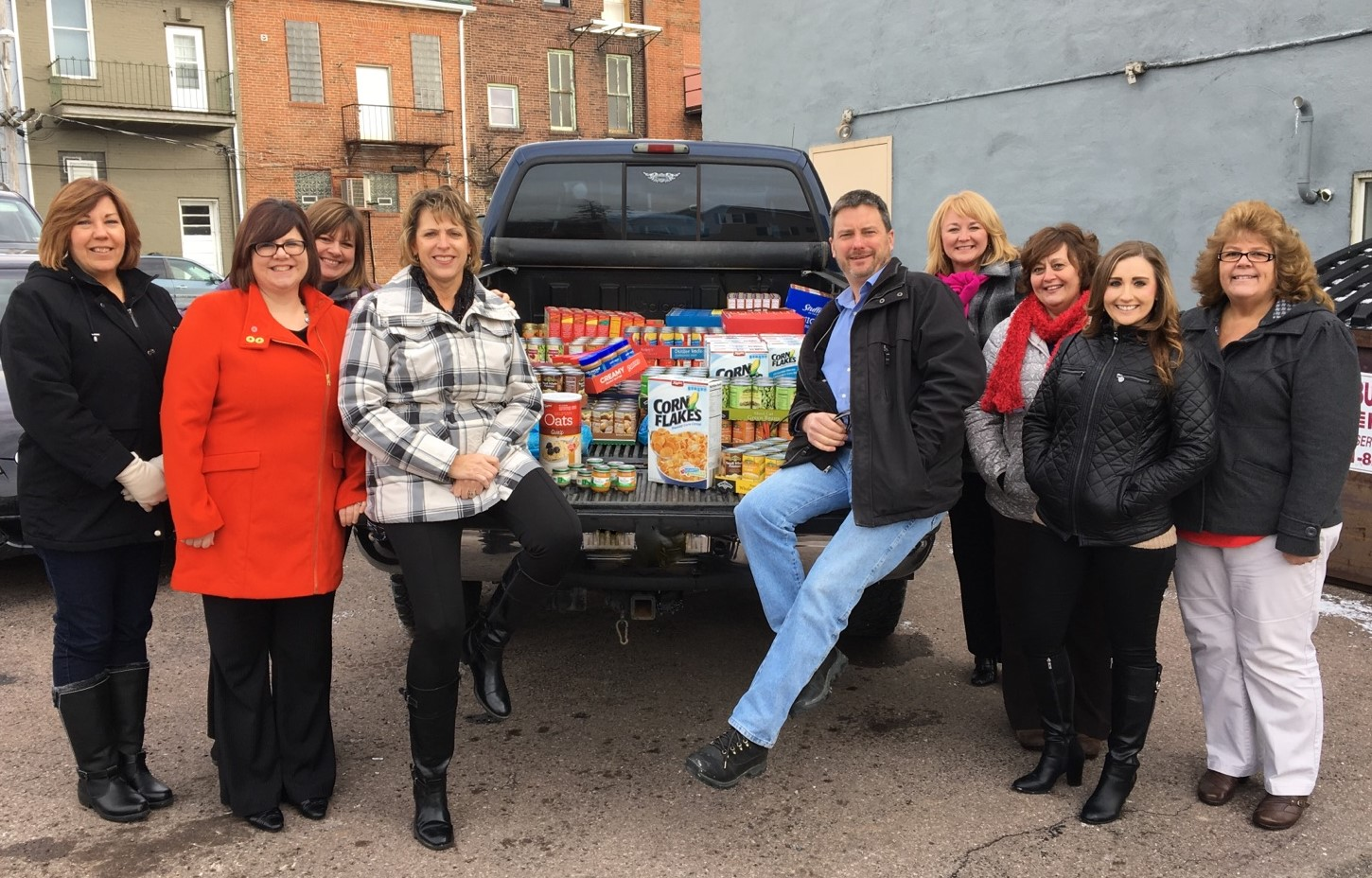 Benefits Network Donation to Food Pantry